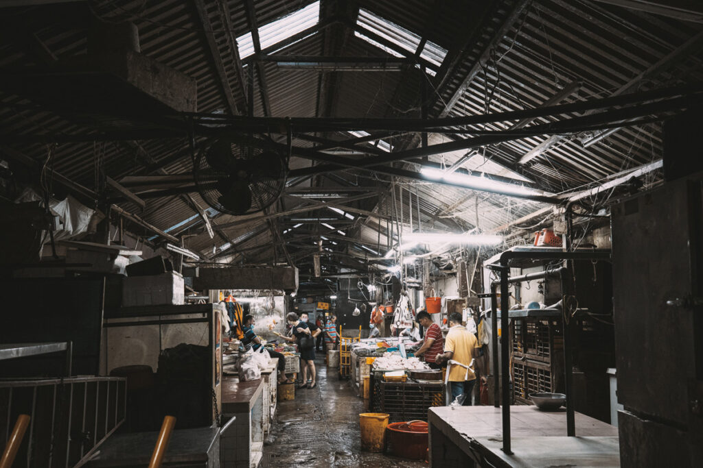 <h1>7:07:57 am</h1><br> Wet market