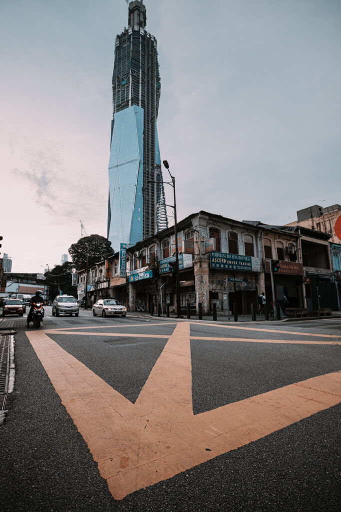 <h1>7:15:28 am</h1><br> Intersection Petaling Street