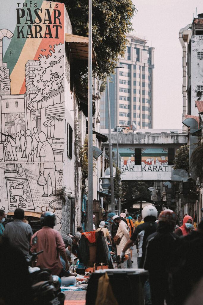 <h1>8:45:45 am</h1><br> Pasar Karat