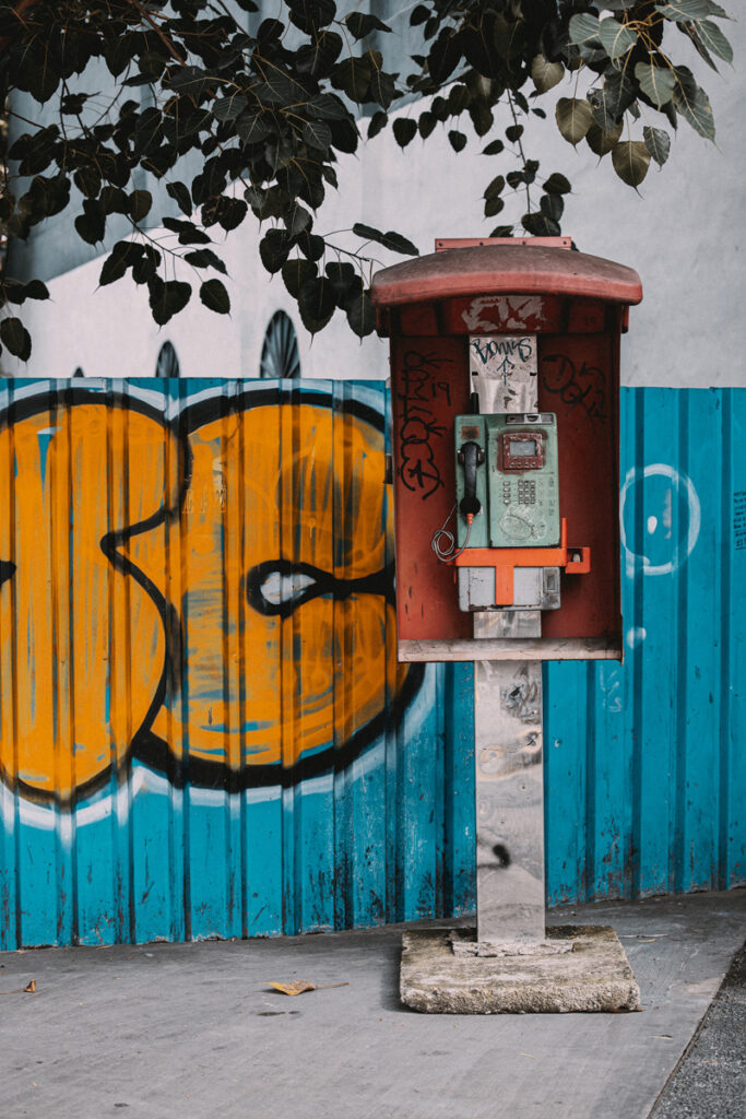 <h1>9:46:50 am</h1><br>  Phone booth